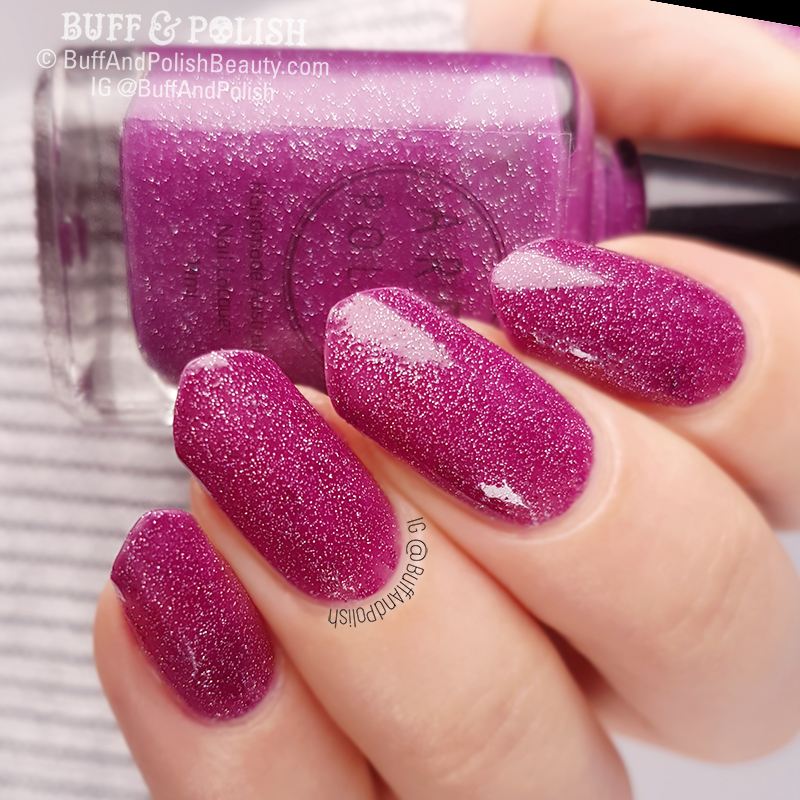 Buff & Polish - Aree Lisses Kisses polish swatch & bottle shot